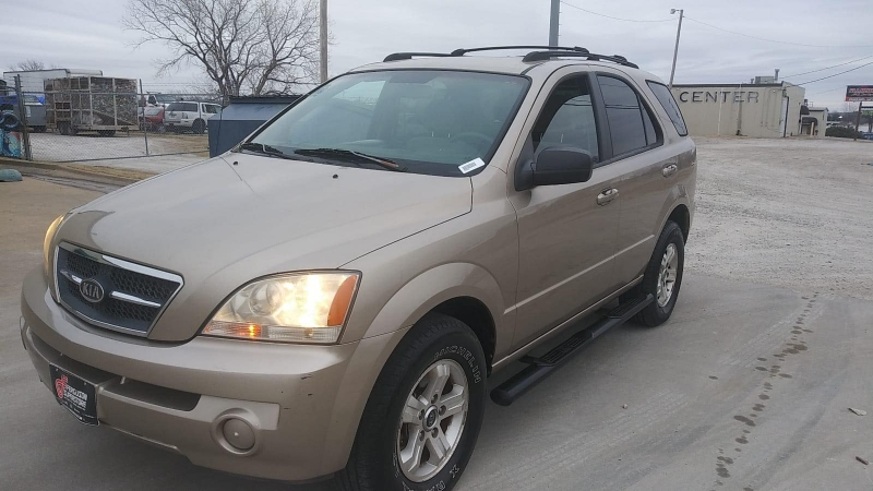 Kia Sorento 2004 price $3,000