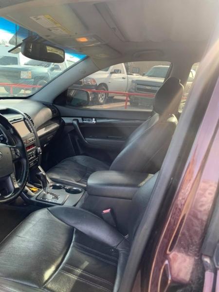 Kia Sorento 2012 price $9,000