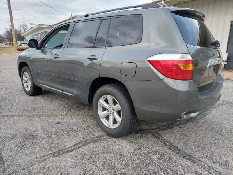 Toyota Highlander 2010 price $7,500