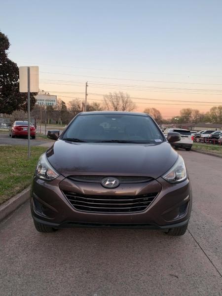 Hyundai Tucson 2014 price $12,000