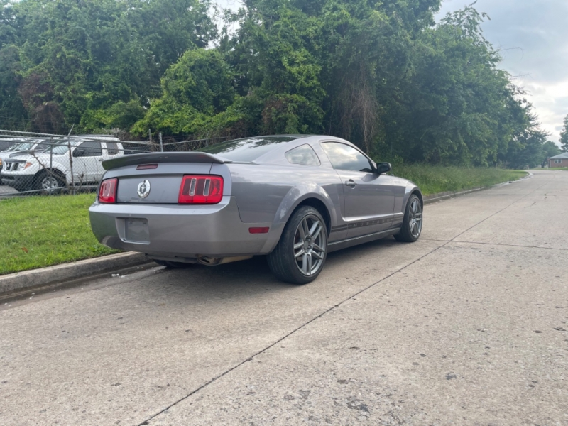 Ford Mustang 2006 price $9,999