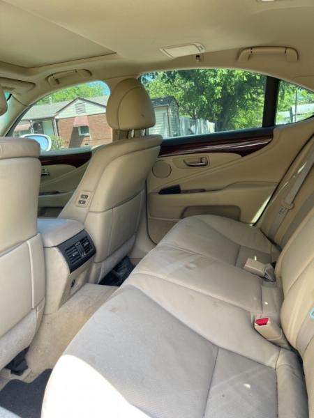 Lexus LS 460 2007 price $9,999