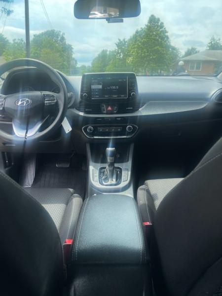 Hyundai Elantra GT 2019 price $18,500