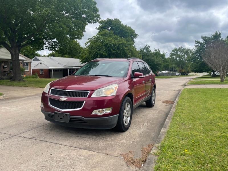 Chevrolet Traverse 2011 price $10,000