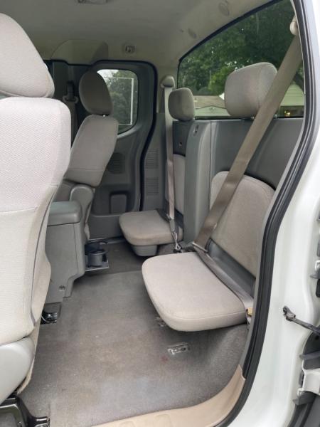 Nissan Frontier 2007 price $9,999