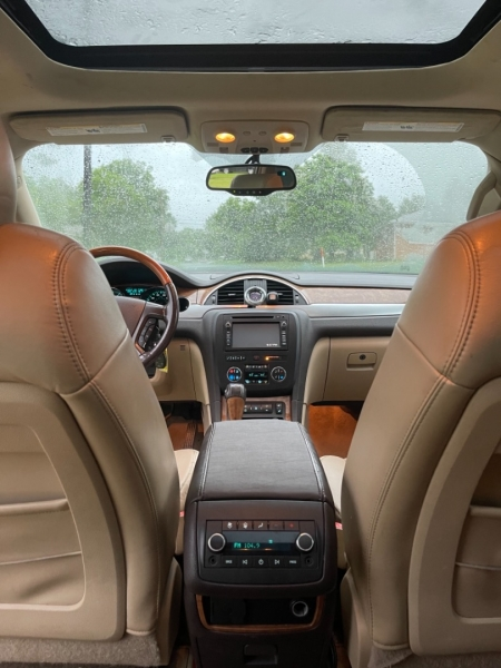 Buick Enclave 2008 price $8,500