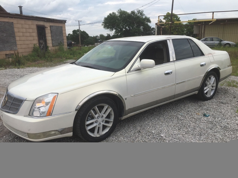 Cadillac DTS 2006 price $4,000