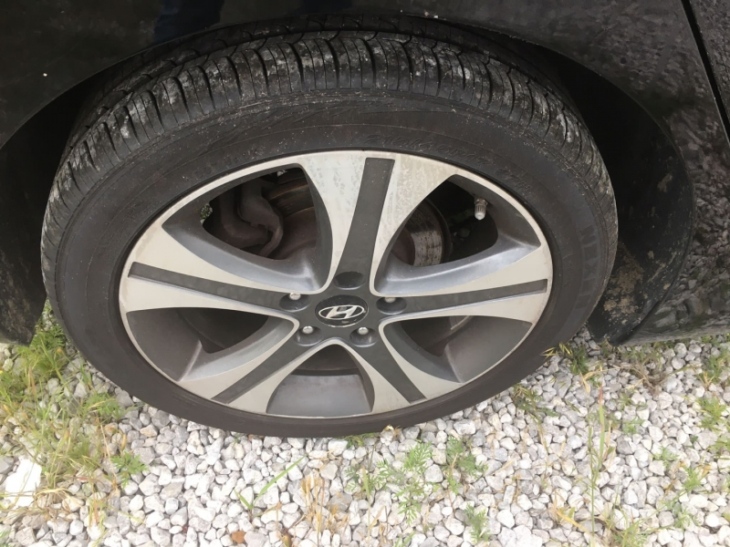 Hyundai Elantra 2012 price $5,000