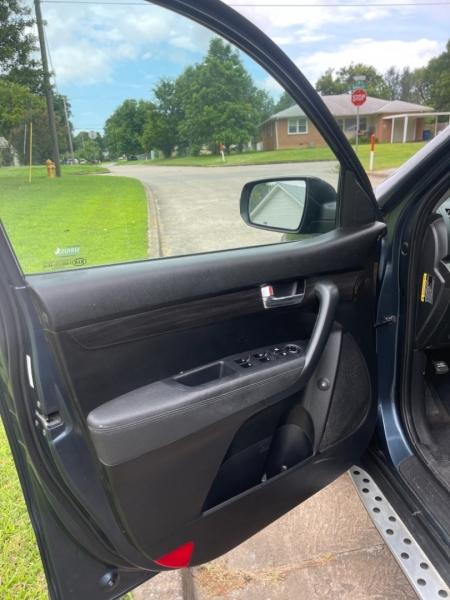 Kia Sorento 2011 price $7,500