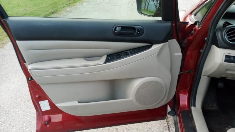 Mazda CX-7 2011 price $3,999