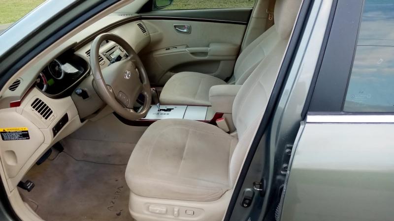 Hyundai Azera 2006 price $3,999