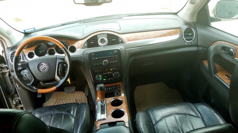 Buick Enclave 2008 price $9,999