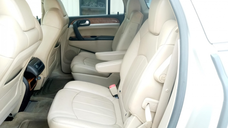 Buick Enclave 2008 price $4,999