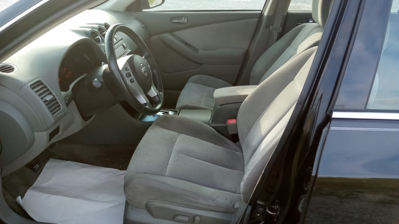 Nissan Altima 2009 price $7,500