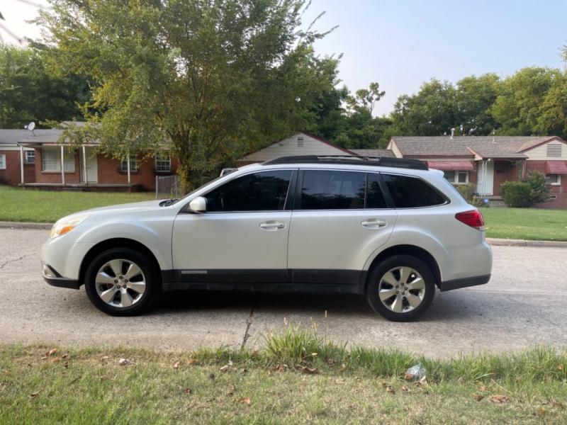 Subaru Outback 2011 price $7,999
