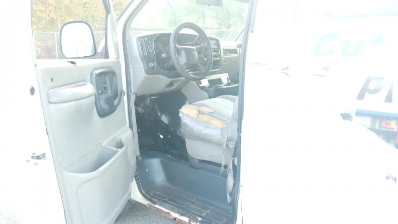 GMC Savana Cargo Van 1998 price $2,999