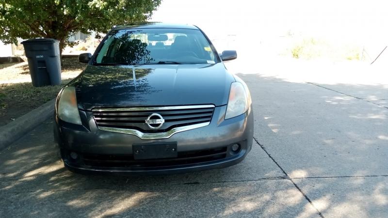 Nissan Altima 2009 price $3,999