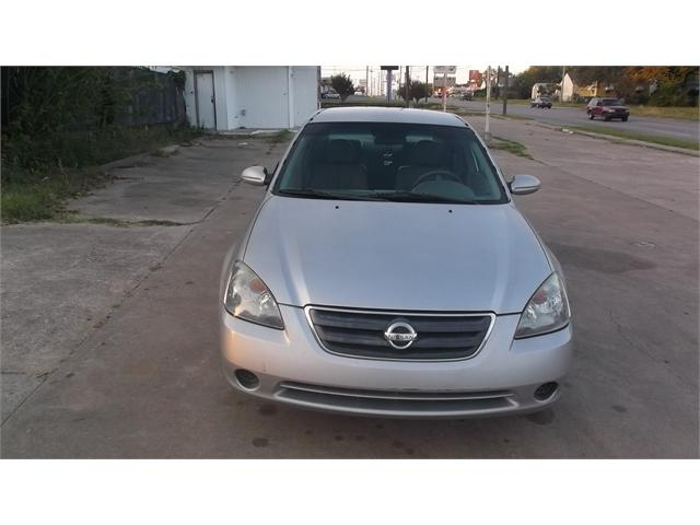 Nissan Altima 2003 price $3,000