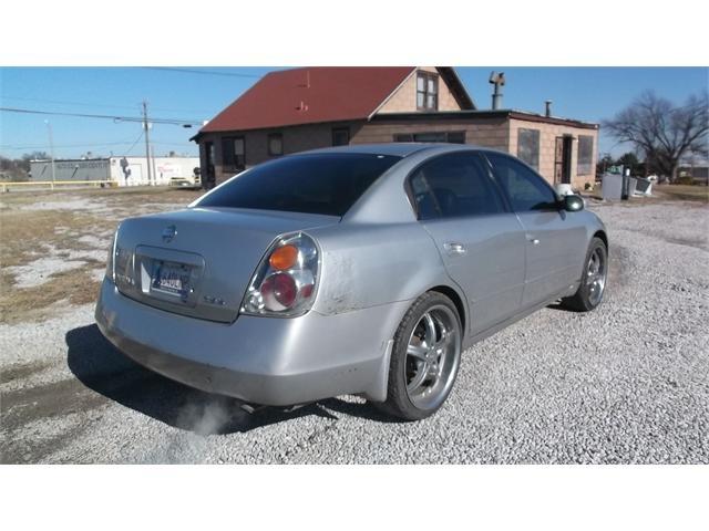 Nissan Altima 2003 price $3,500