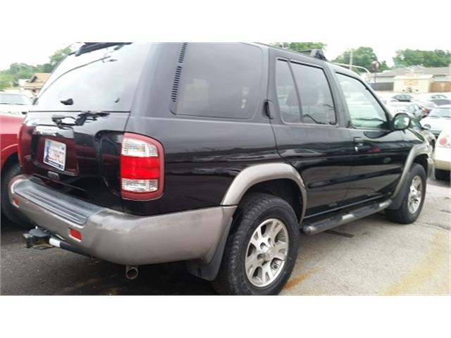 Nissan Pathfinder 2000 price $3,000