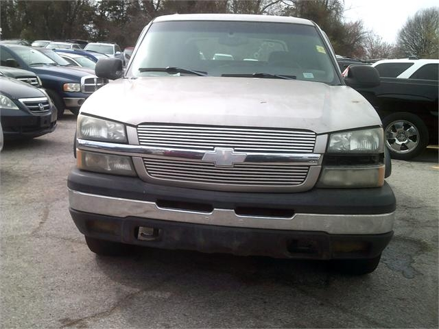 Chevrolet Avalanche 2003 price $3,500