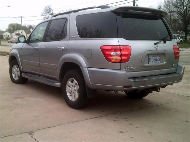 Toyota Sequoia 2002 price $3,500