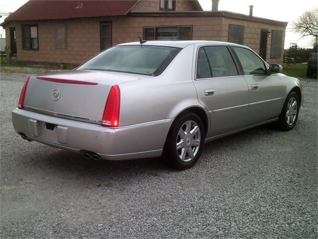 Cadillac DTS 2007 price $5,000