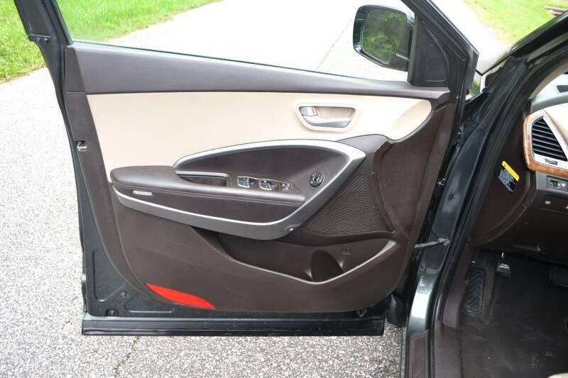 Hyundai Santa Fe Sport 2013 price $11,300