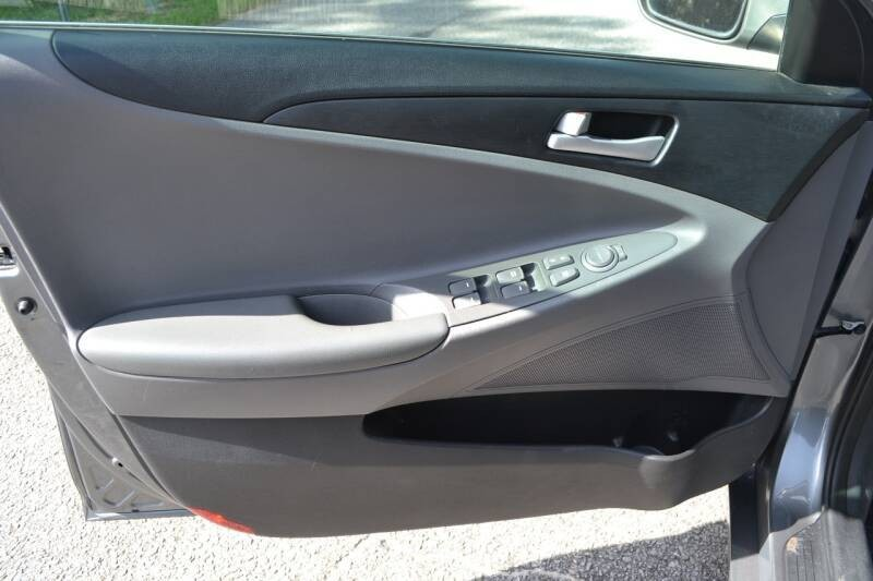 Hyundai Sonata 2013 price $7,300