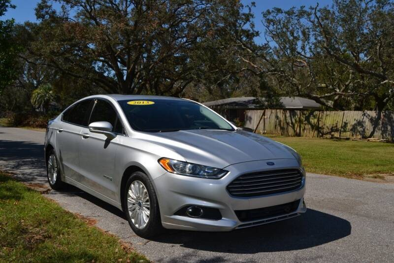 Ford Fusion Hybrid 2013 price $9,675