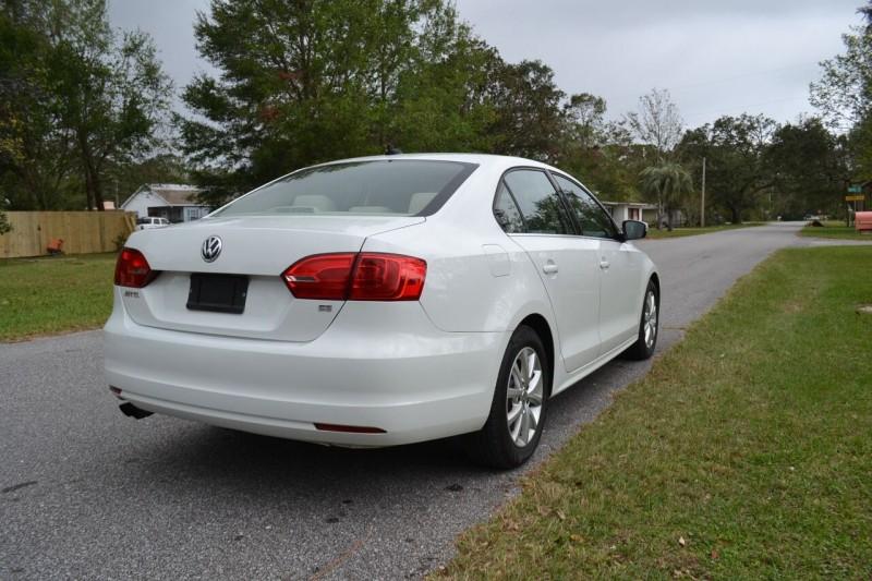 Volkswagen Jetta 2014 price $7,995