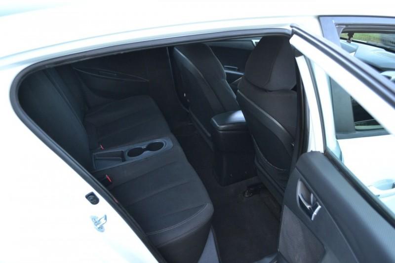 Hyundai Veloster 2013 price $7,976