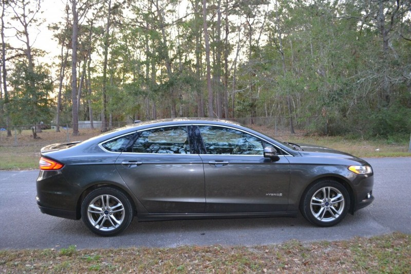 Ford Fusion Hybrid 2016 price $11,865
