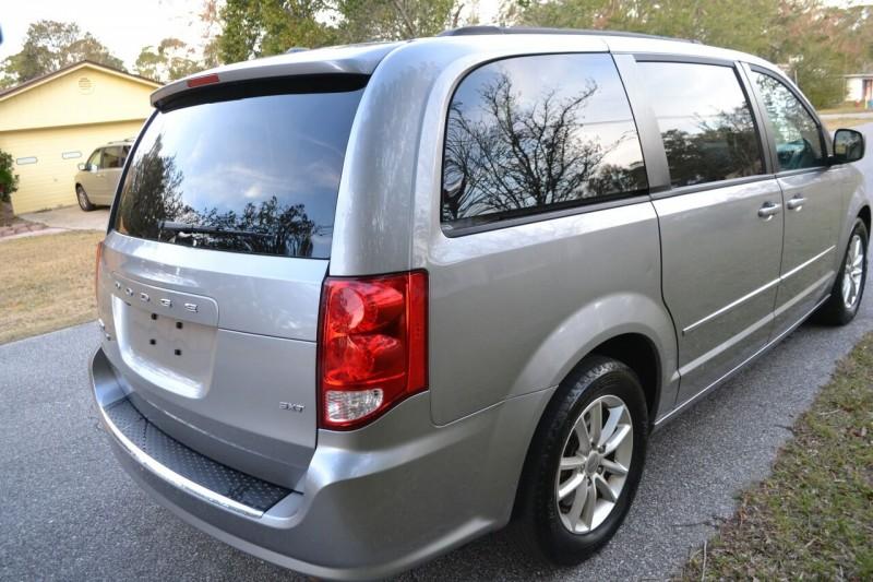 Dodge Grand Caravan 2016 price $8,975