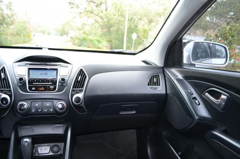 Hyundai Tucson 2012 price $8,363