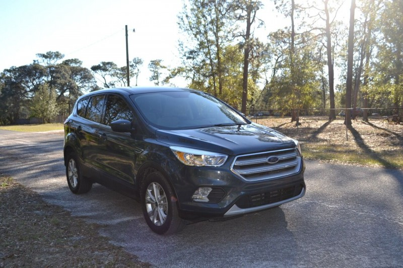 Ford Escape 2019 price $16,353