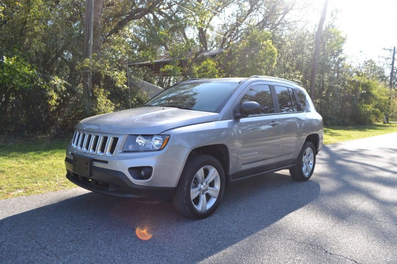 Jeep Compass 2016 price $10,995
