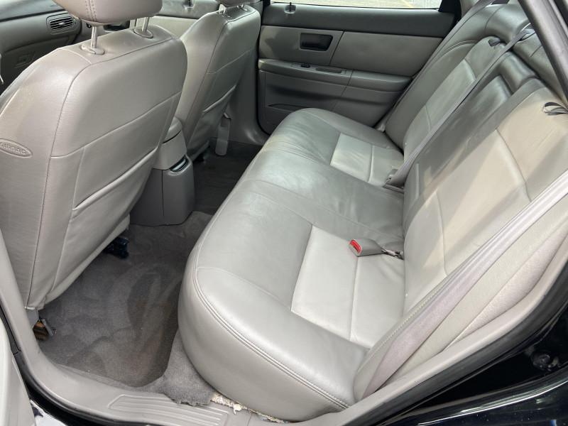 Ford Taurus 2003 price $3,795
