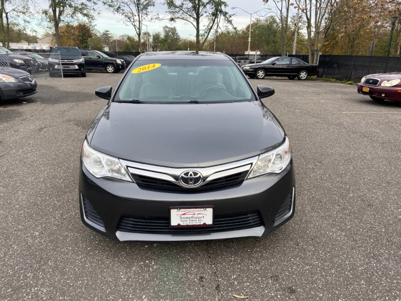 Toyota Camry 2014 price $12,995