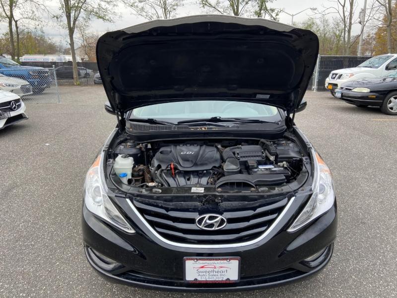 Hyundai Sonata 2013 price $9,995