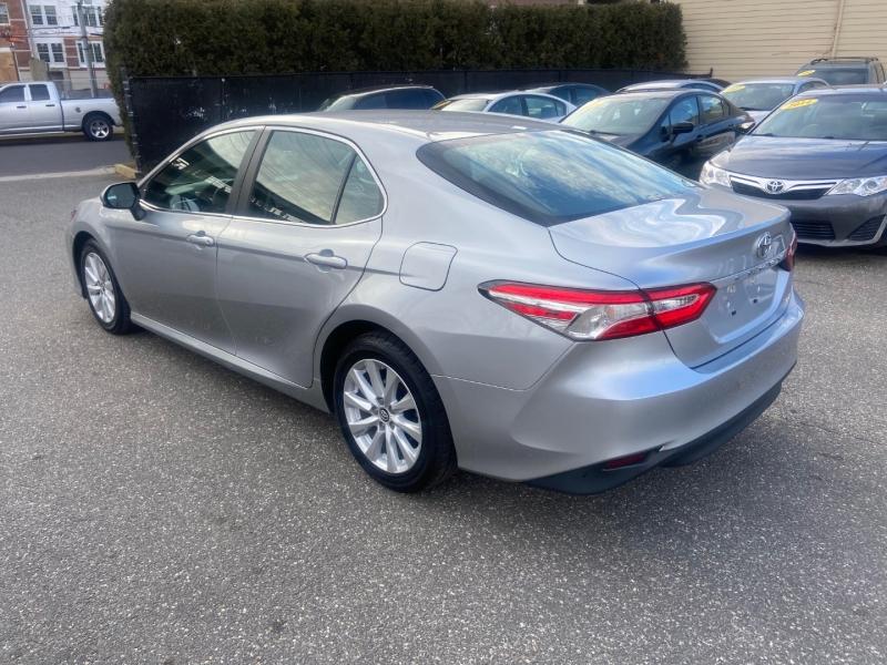 Toyota Camry 2018 price $15,795