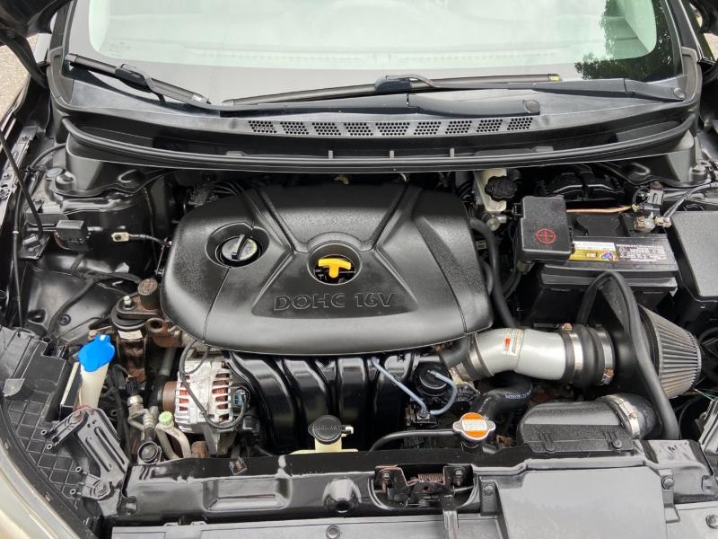 Hyundai Elantra 2012 price $9,375