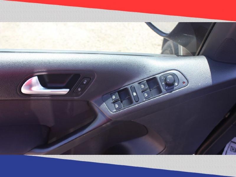 Volkswagen Tiguan 2015 price $8,000