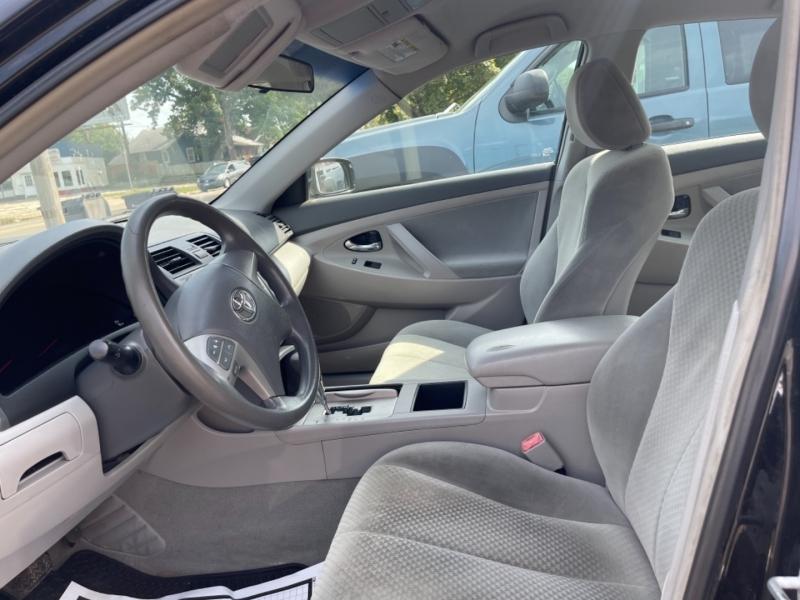 Toyota Camry 2009 price $8,900