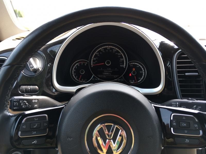 Volkswagen Beetle Convertible 2013 price $12,995