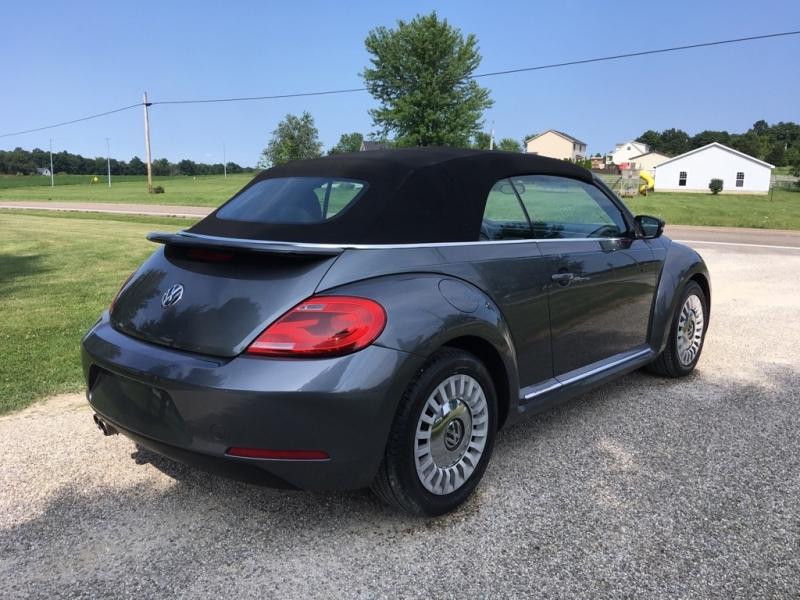 Volkswagen Beetle Convertible 2013 price $13,995