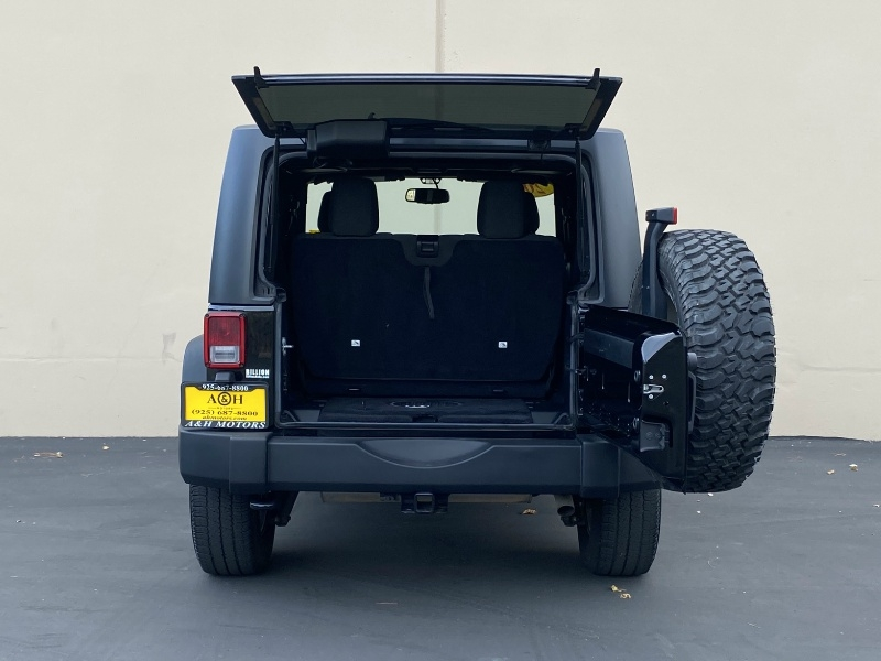 Jeep Wrangler 2015 price $25,995
