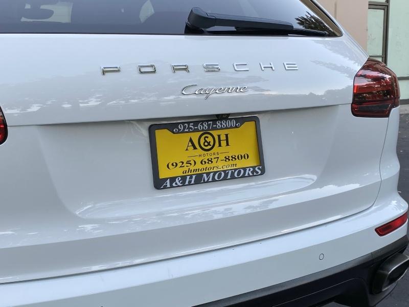 Porsche Cayenne 2015 price $42,995