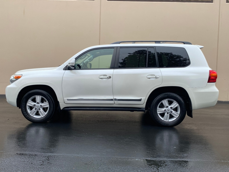 Toyota Land Cruiser 2013 price $47,995