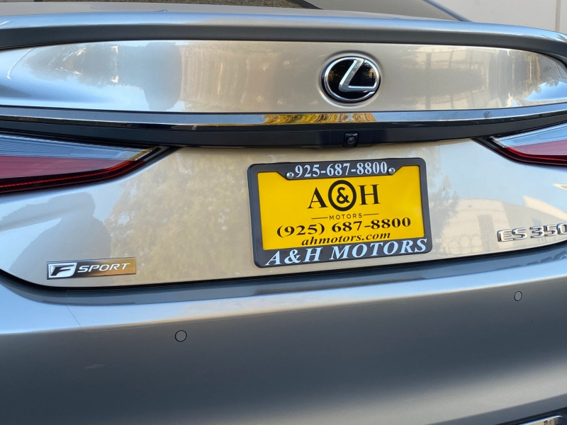 Lexus ES 2019 price $34,995